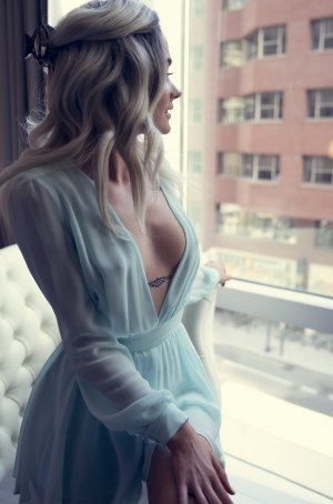 Primerose erotic massage in Menomonee Falls WI
