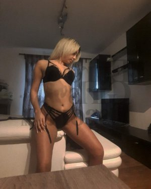 Hayrunnisa nuru massage in Cherry Creek