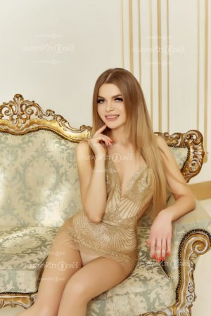 Veronika erotic massage